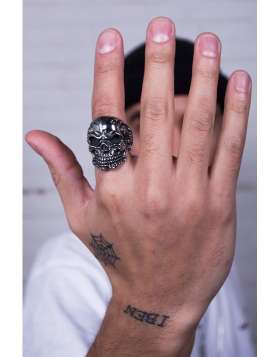 Triple Skull Biker Ring