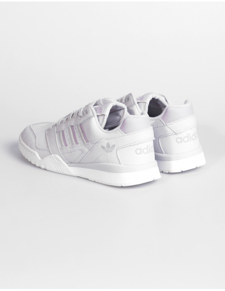 A.R Trainer W