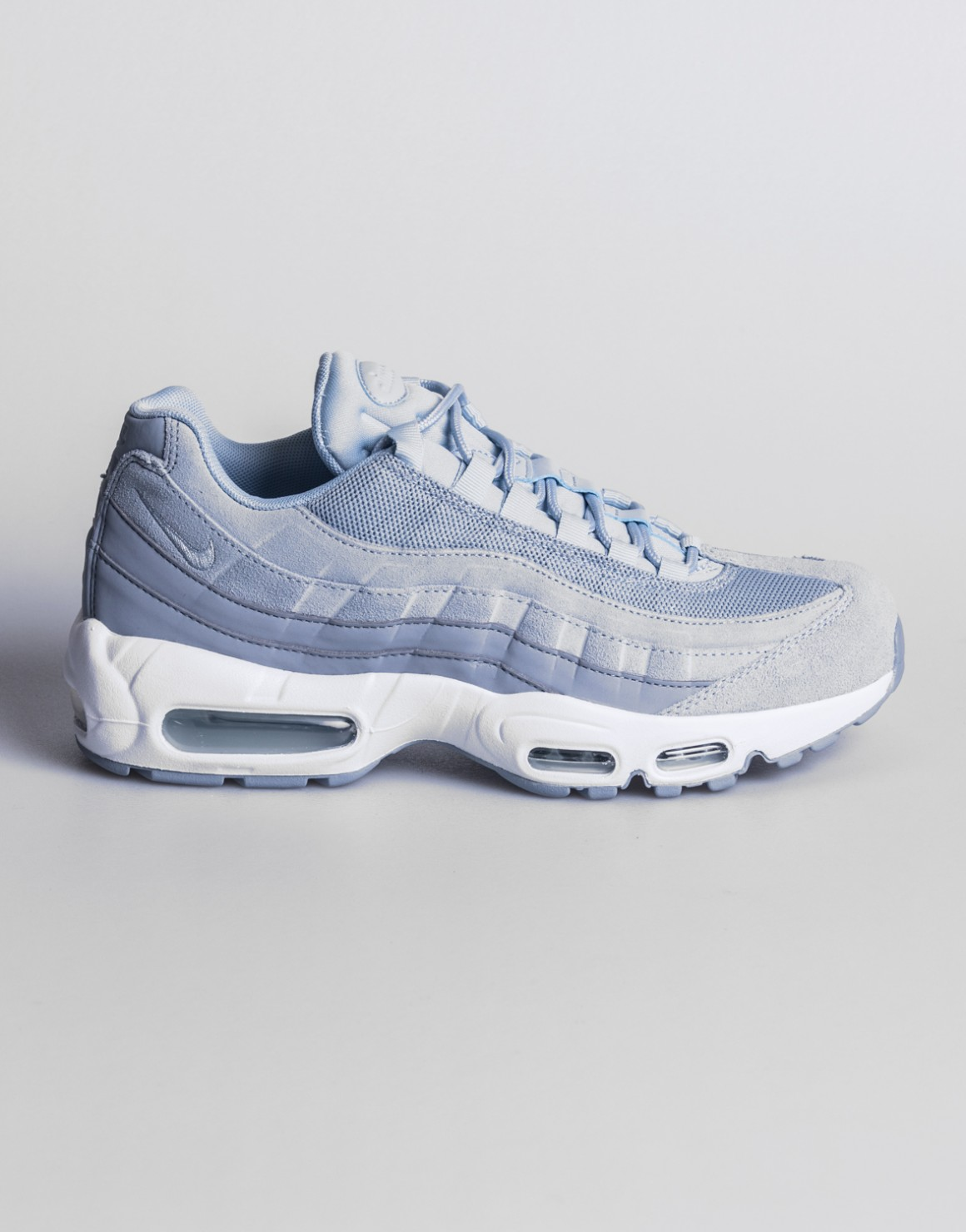 Size 5 Nike Women AIR MAX 95 PREMIUM RUNNING SHOES 807443