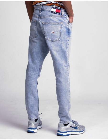Modern Tapered Jeans