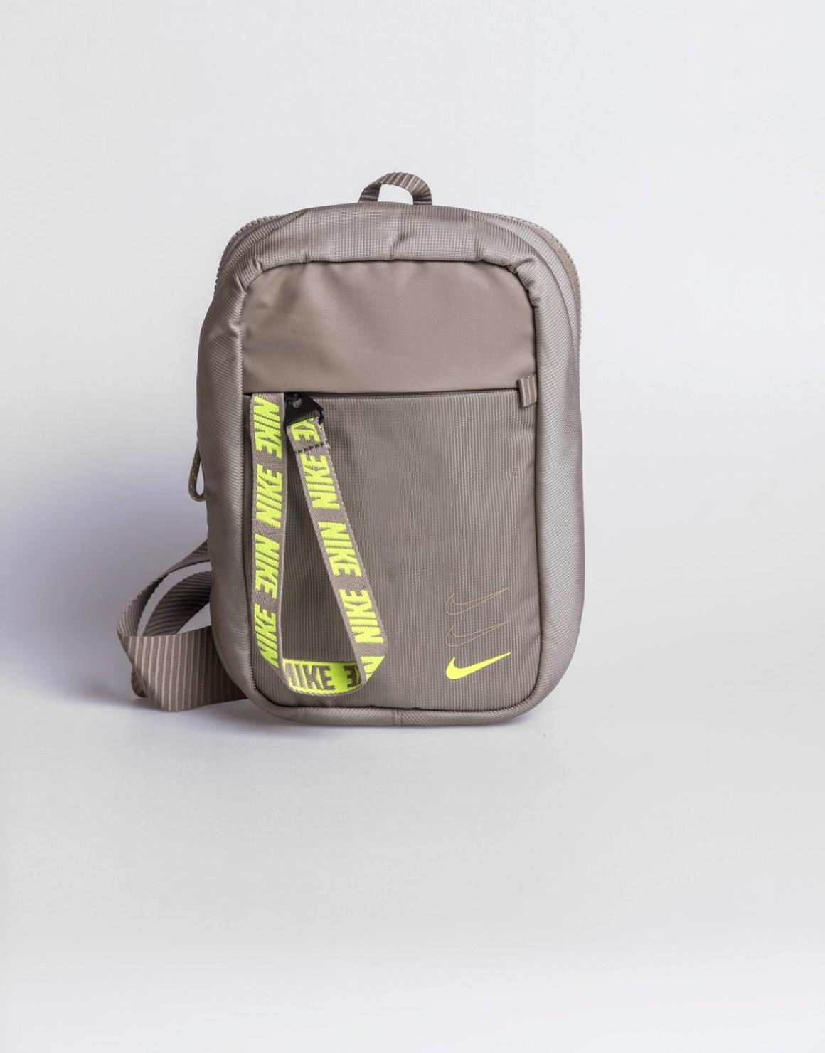 Essentials Hip Pack