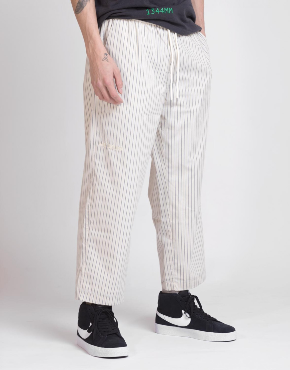 Image of   Cropped Pants